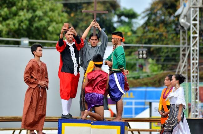 sandugo-festival-2013-tagbilaran-city-bohol-philippines-001