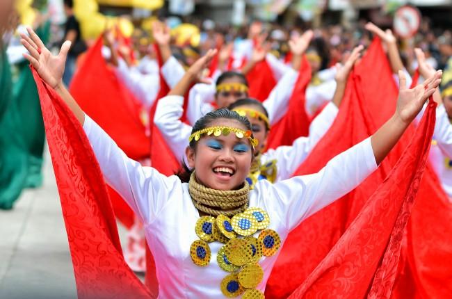 sandugo-festival-2013-tagbilaran-city-bohol-philippines-003