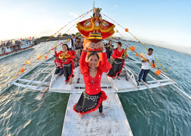 sinulog 2013 sto nino cebu philippines festival queen contingent sidelights fluvial procession higante archie mercader achilez achilez (17)