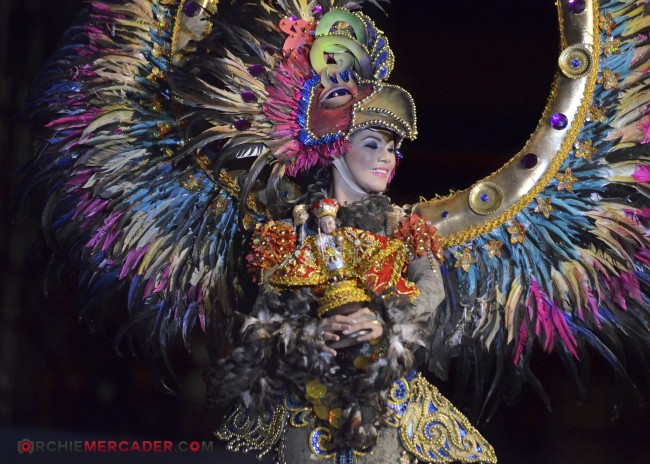 sinulog 2013 sto nino cebu philippines festival queen contingent sidelights fluvial procession higante archie mercader achilez achilez (2)
