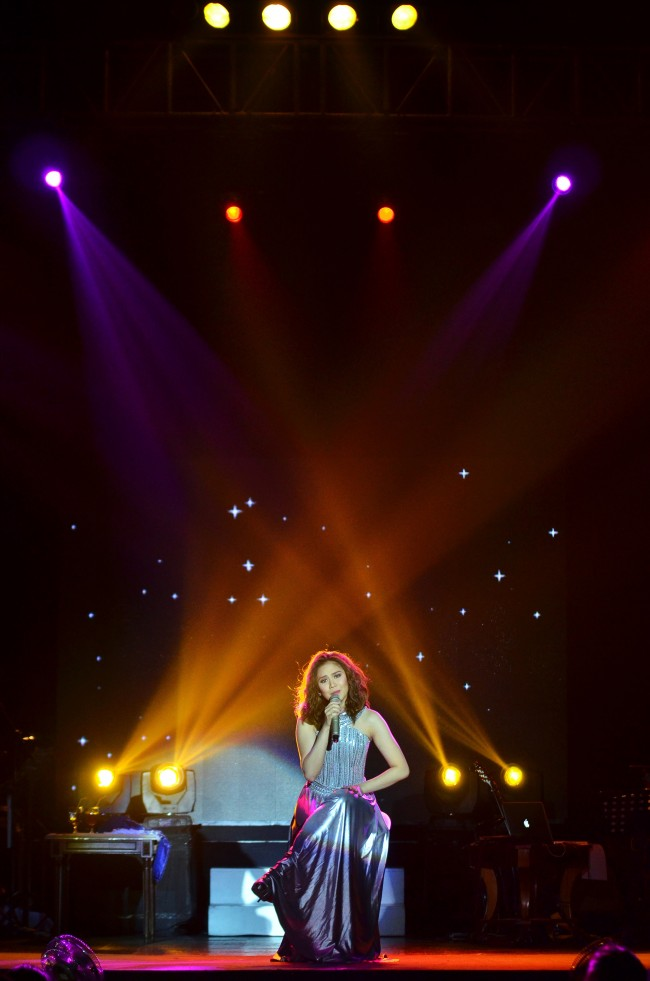 Sarah Geronimo Perfect 10 Concert Live in Cebu December 2013 (1) (Copy)
